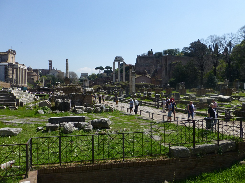 peachypains.com | arthritis | travel | italy | roman forum